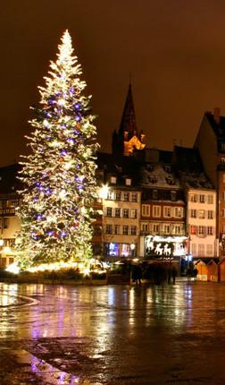 strausburg-christmas-web
